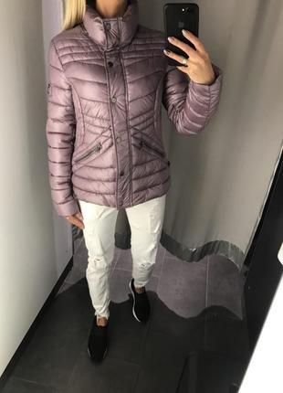 Курточка на синтепоне стёганая куртка с перламутром. amisu.