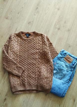 Вязаный коричневый свитер оверсайз