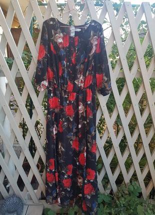Нарядное празднечное платье в розы