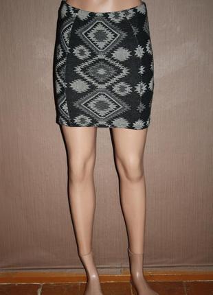 Трендовая мини юбка резинка с принтом