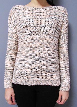 Вязаный свитерок с вкраплением разноцветных нитей