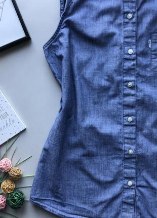 Оригинальная джинсовая рубашка без рукавов   / удлинённая рубашка без рукавов levis3 фото