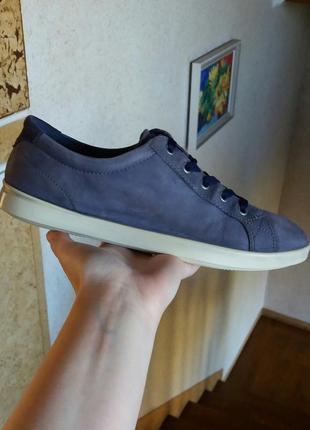 Р.39 ecco (оригинал) кожаные кроссовки.