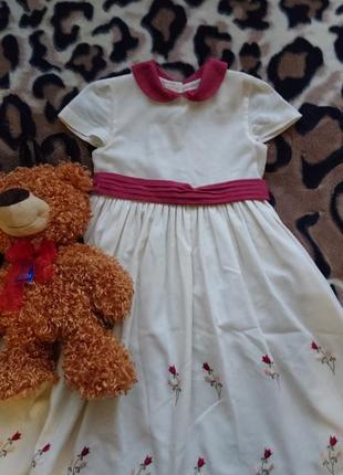 Красивенное фирменное винтажное платье на девочку 6 лет