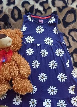 Красивое фирменное трикотажное платьеце f&f на девочку 6-7 лет