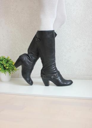 Кожаные сапоги на каблуке, натуральная кожа, бренд clarks