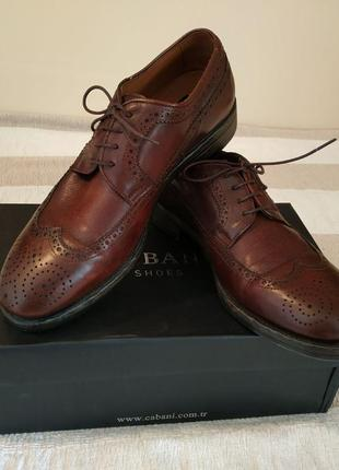 Мужские кожаные броги туфли cabani