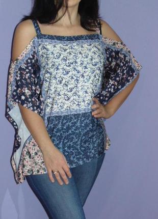 Блузочка с открытыми плечами 18 размера