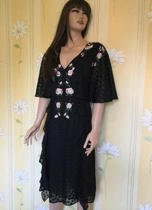 Шикарное платье с вышивкой nui very 16 размер