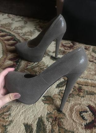 Супер туфли на высоком каблуке