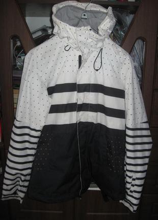 Женская фирменная лыжная термокуртка oneil.