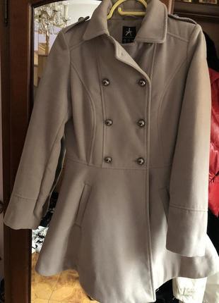 Пальто фирменное3 фото