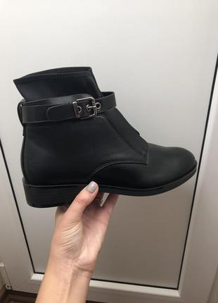 Новые ботинки деми в стиле zara