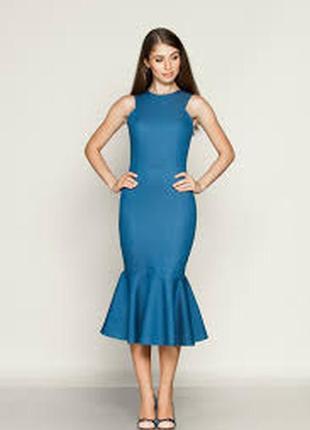 Платье футляр с рюшем темно синее