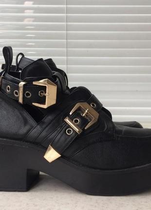 Ботинки на платформе в стиле balenciaga