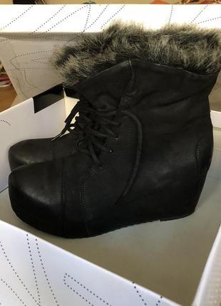Новые ботинки зима на платформе танкетка bronx