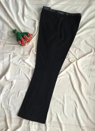 Стильные брюки прямого кроя
