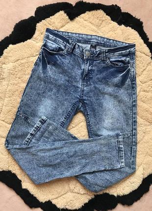Стильні джинси як нові м