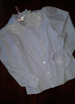 Школьная рубашка с кружевами