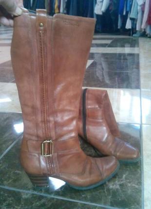 Шкіряні чоботи tamaris