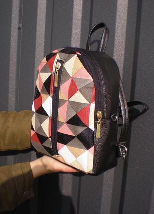 Яркий рюкзак ручной работы