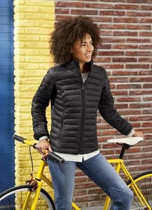 Легкая теплая куртка демисезон
