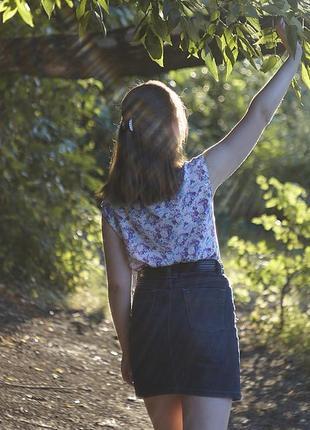 Трендовая джинсовая юбка темно-синяя юбочка мини
