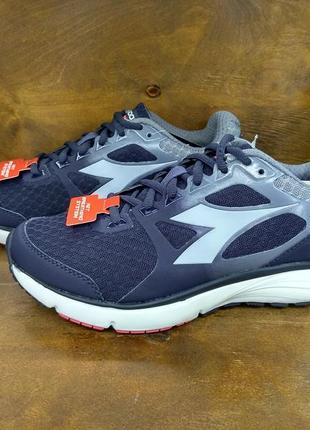 Дышащие очень удобные кроссовки diadora nj-505 новые ( 37 размер )