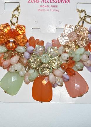 Оригинальное ожерелье из сверкающих кристаллов