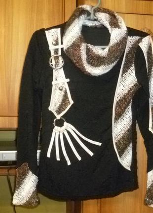 Симпатичный свитер с вязаными вставками трикотажный с длинным рукавом