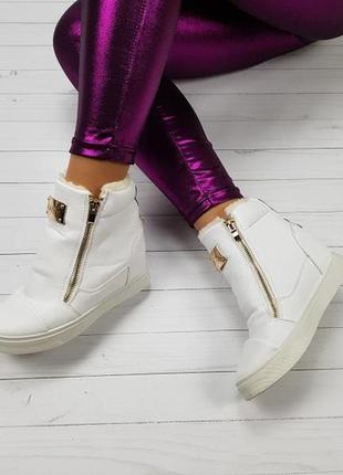 Новые белые зимние кроссовки сникерсы размер 37,38,39