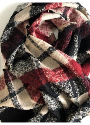 Zara. шарф/палантин шерстяной