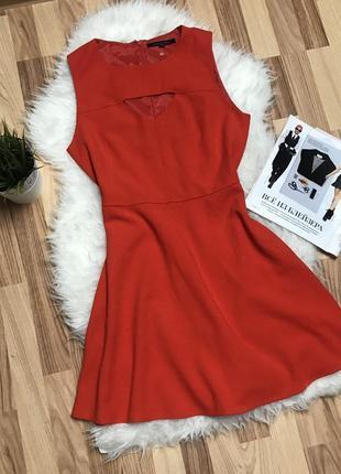 Крутое платье от бренда french connection