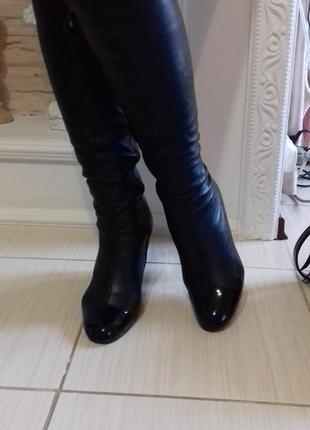 Кожаные сапоги с лаковым носком2