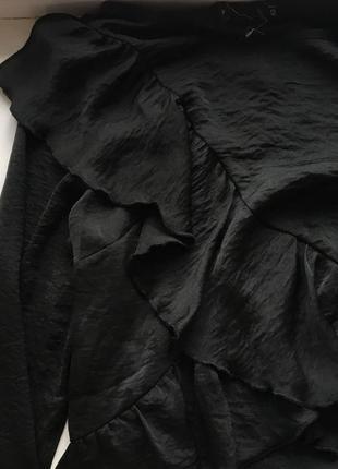 Стильное сатиновое платье с воланами2