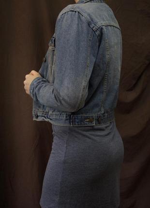 Джинсовая куртка короткая2