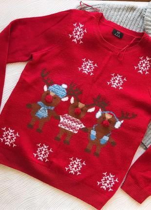 Новогодний тёплый свитер с оленями1