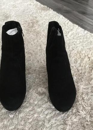 Продоам замшевые ботинки vagabond1