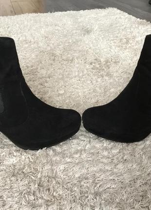 Продоам замшевые ботинки vagabond2