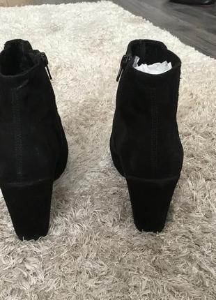 Продоам замшевые ботинки vagabond3