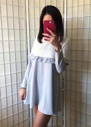 Двухцветное платье с оборкой1
