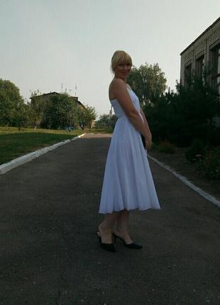 Красивое платье из 100% нейлона.1