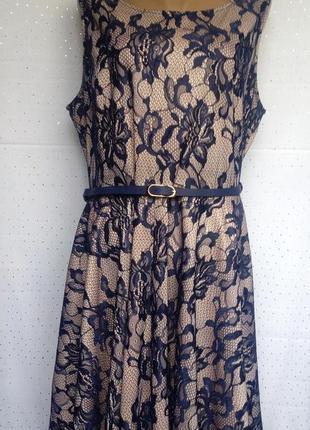 Красивое кремовое платье с черным гипюром, под пояс. (пог-57см)1