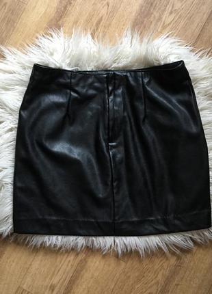 Стильная кожаная юбка с молниями4