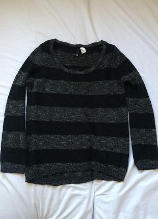 Теплый черный свитер в полоску1