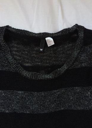 Теплый черный свитер в полоску2