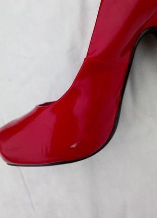 Кожаные лаковые туфли размер35.5 ( uk 3)5