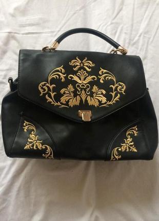 Красивая стильная сумка с орнаментом2