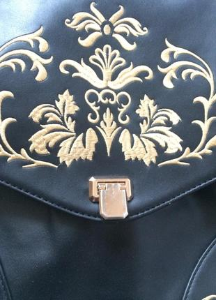 Красивая стильная сумка с орнаментом3