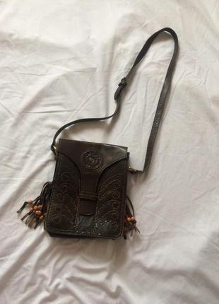 Кросс боди кожанная коричневая этно сумка через плечо